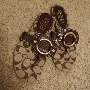 🎉Just Reduced 🎉 Coach Ritah sandal